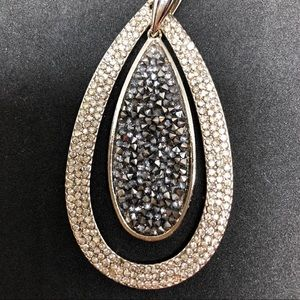 NEW-Black Rhinestones Studded Gold Pendant Chain